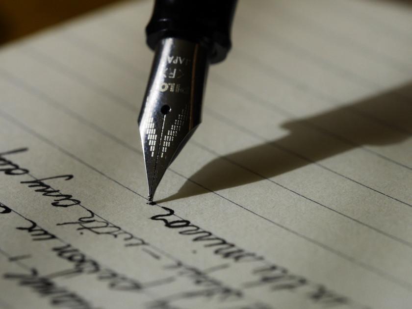 Mozog a písanie diktátu